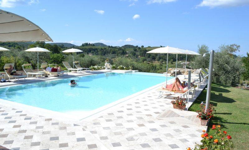vacanze-romantiche-piscina